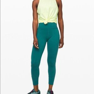 "NWT Lululemon in Movement Tight 25"", Sz 6, LGUN"